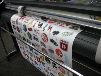 Заказать печать наклеек